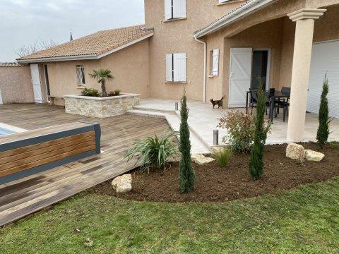 Aménagement de terrasse en pierre à Villefranche sur Saône